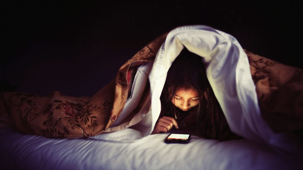 Electronics and Sleep Issues - Blue Light before bedtime insomnia